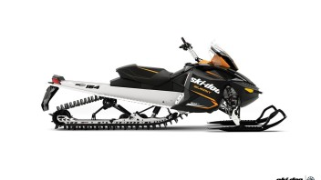 "Mountain: Ski-Doo Summit (154"" inches)"
